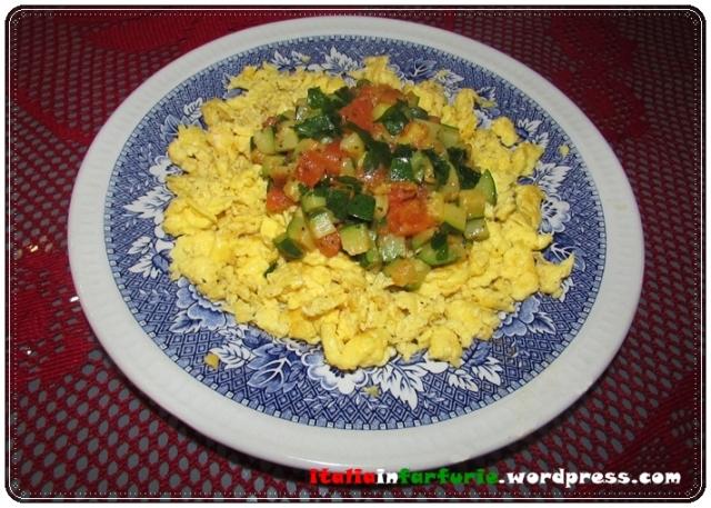 oua cu zucchini si rosii (3)